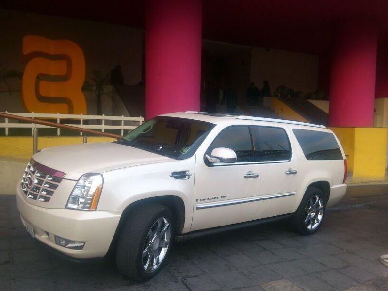 Comodidad, Confort y Lujo... Cadillac Scalade.