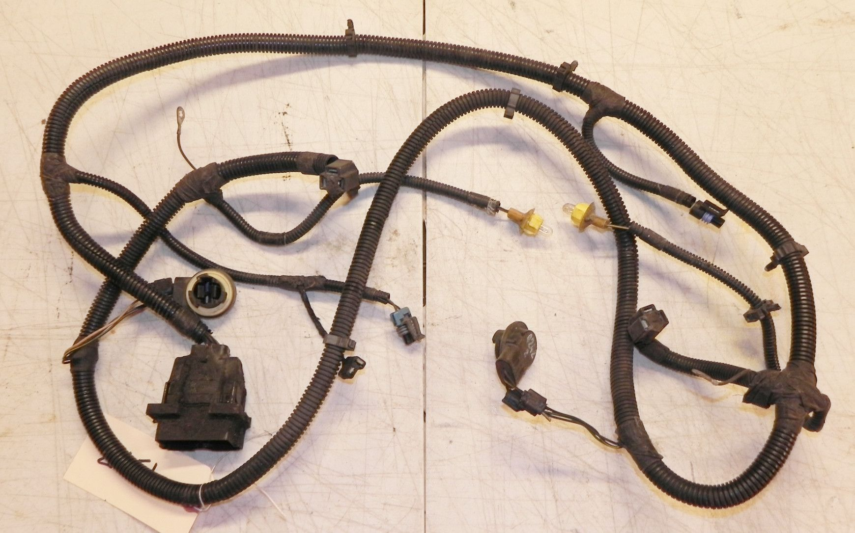 jeep wrangler yj grille headlight turn signal wiring harness 92 95 oem factory [ 1740 x 1086 Pixel ]
