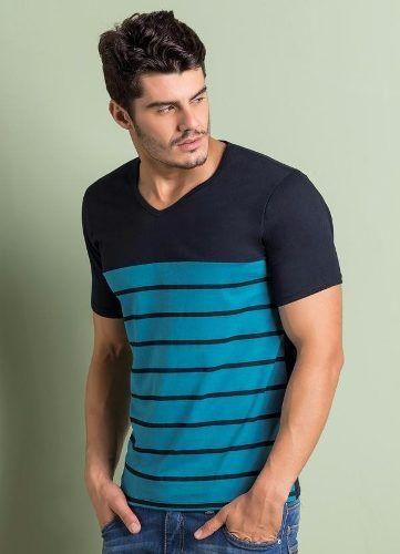 Visite-nos e conheça a Camiseta Gola V Manga Curta Preta e Azul Listrada -  Samy Dress - Modelo Masculina - Manga Curta. As listras são um clássico no  mundo ... 331fe8804b