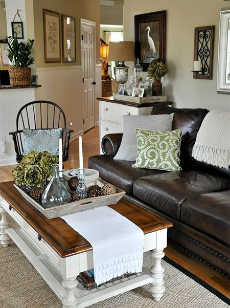Styling a coffee table might not seem that important to most people, but when you are decorating a room and want to make a perfect, a messy or mismatched coffee table can make all the difference. - See more at: http://www.home-dzine.co.za/decor/decor-coffee-table-style.htm#sthash.X2Wh8F8S.dpuf