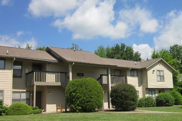 http://www.coredeerwoodmeadows.com/  Come in today to view your new apartment home in Greensboro, NC. You can rely on superior service and professional management, with 24-hour emergency maintenance available for your convenience. You can find the perfect pet-friendly apartment rental here, choosing from our available floor plans of one or two bedroom town homes.