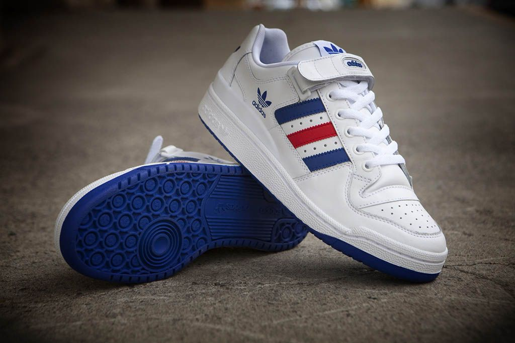 reputable site ebe16 27467 adidas Originals Forum Low RS Leather