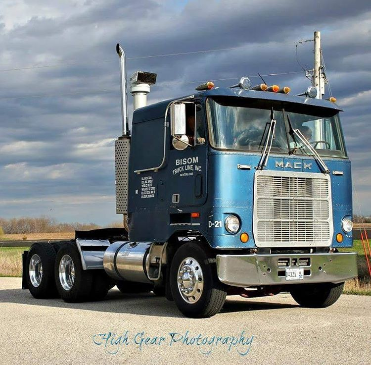 Mack Truck Rod Before And After: US Trucks Of The 70s (60s To