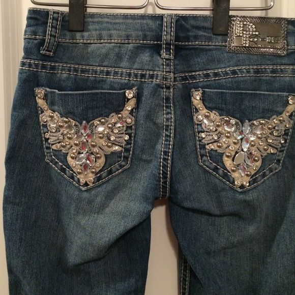 """D-Fuz boot cut jeans. Like new boot cut jeans. No missing stones, holes, rips or stains. Approx 32-33"""" inseam. D-Fuz Jeans Boot Cut"""