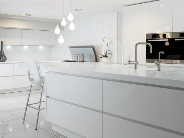 Cabinets Without Handles Kitchen Decor Jpg 600 450 Kitchen Cabinet Handles Kitchen Decor Trends Modern Kitchen Design