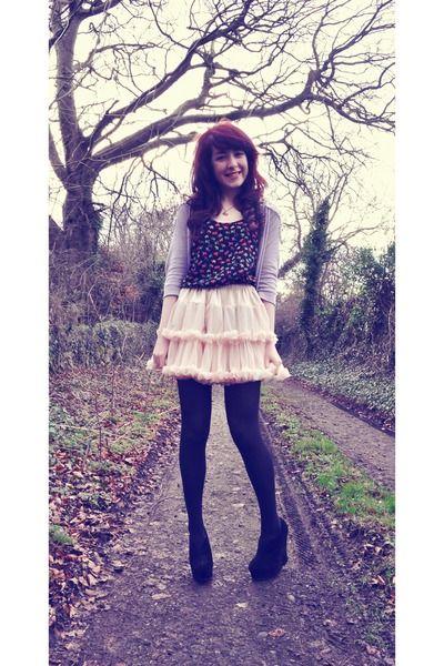 Light-pink-petticoat-american-apparel-skirt-elephant-print-river-island-vest