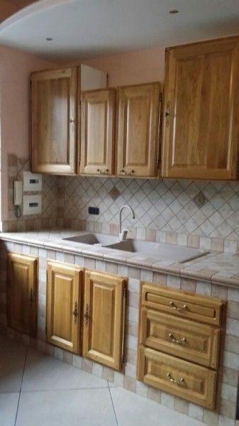 Realizzazione cucina in muratura in legno di rovere naturale su ...