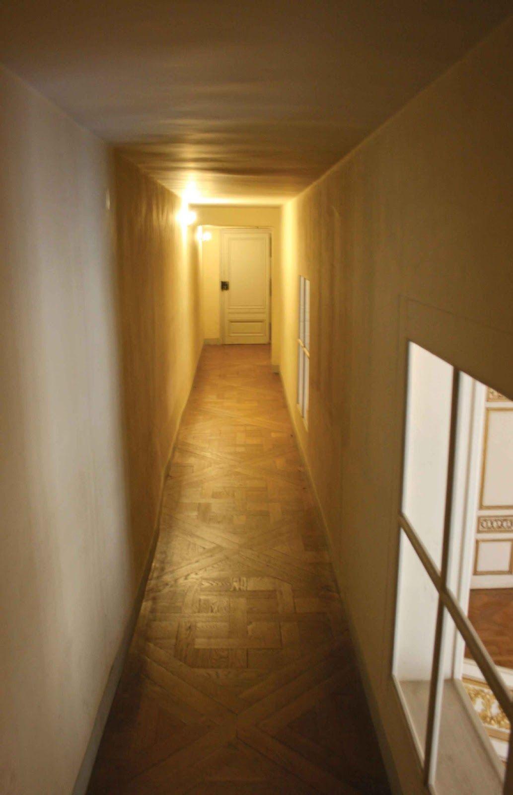 Passage En Entresol Entre L Appartement De La Reine Et Du Roi C Versailles Secret Et Insolite Nicolas B Ja Versailles Chateau Versailles Chateau De Versailles