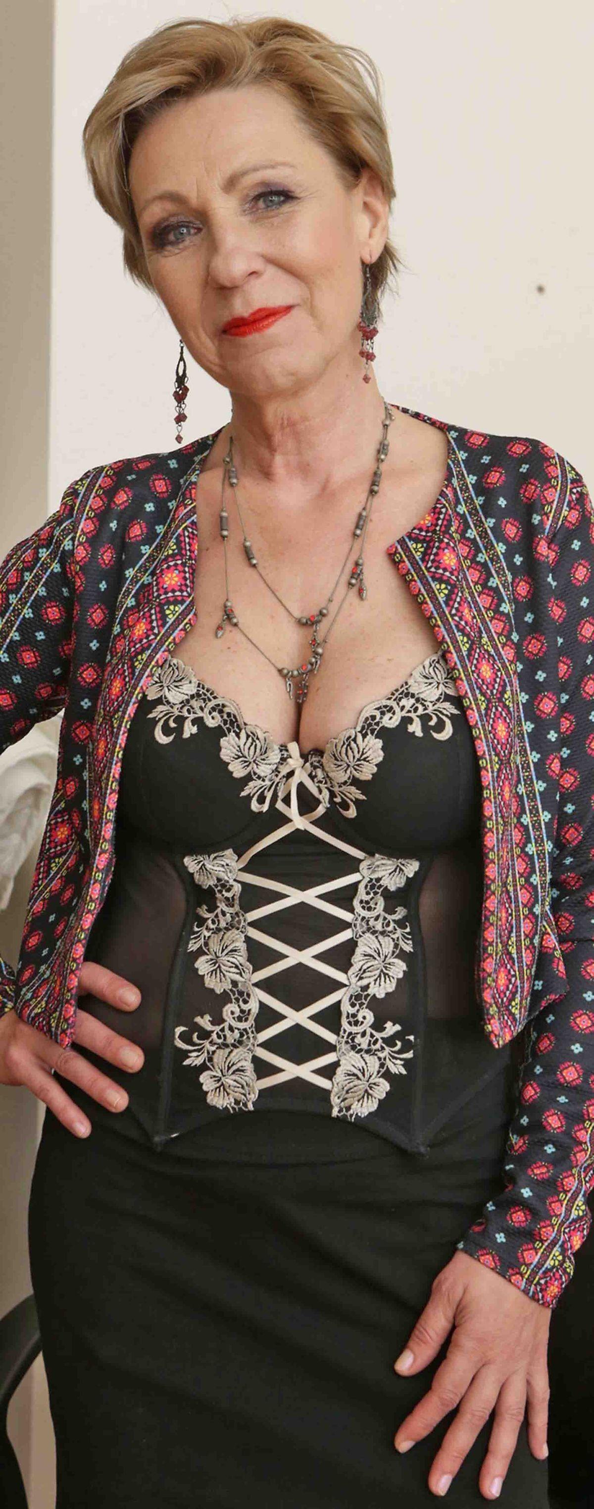 Pin von Michael Bunting auf Beautiful older women
