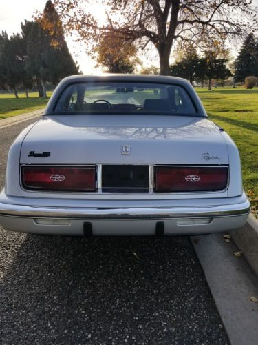 Details about 1990 Buick Riviera PREMIUM SOUTHERN PEARL