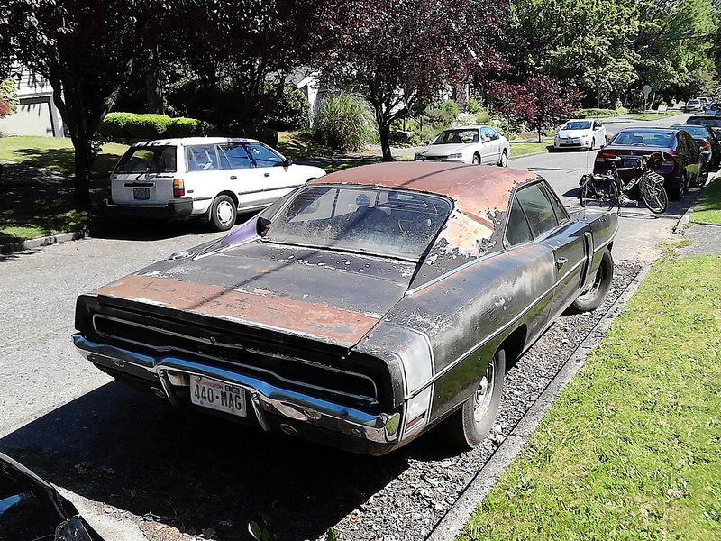 1970 Charger R/T | BARN & GARAGE FINDS | Pinterest | Cars, Barn ...