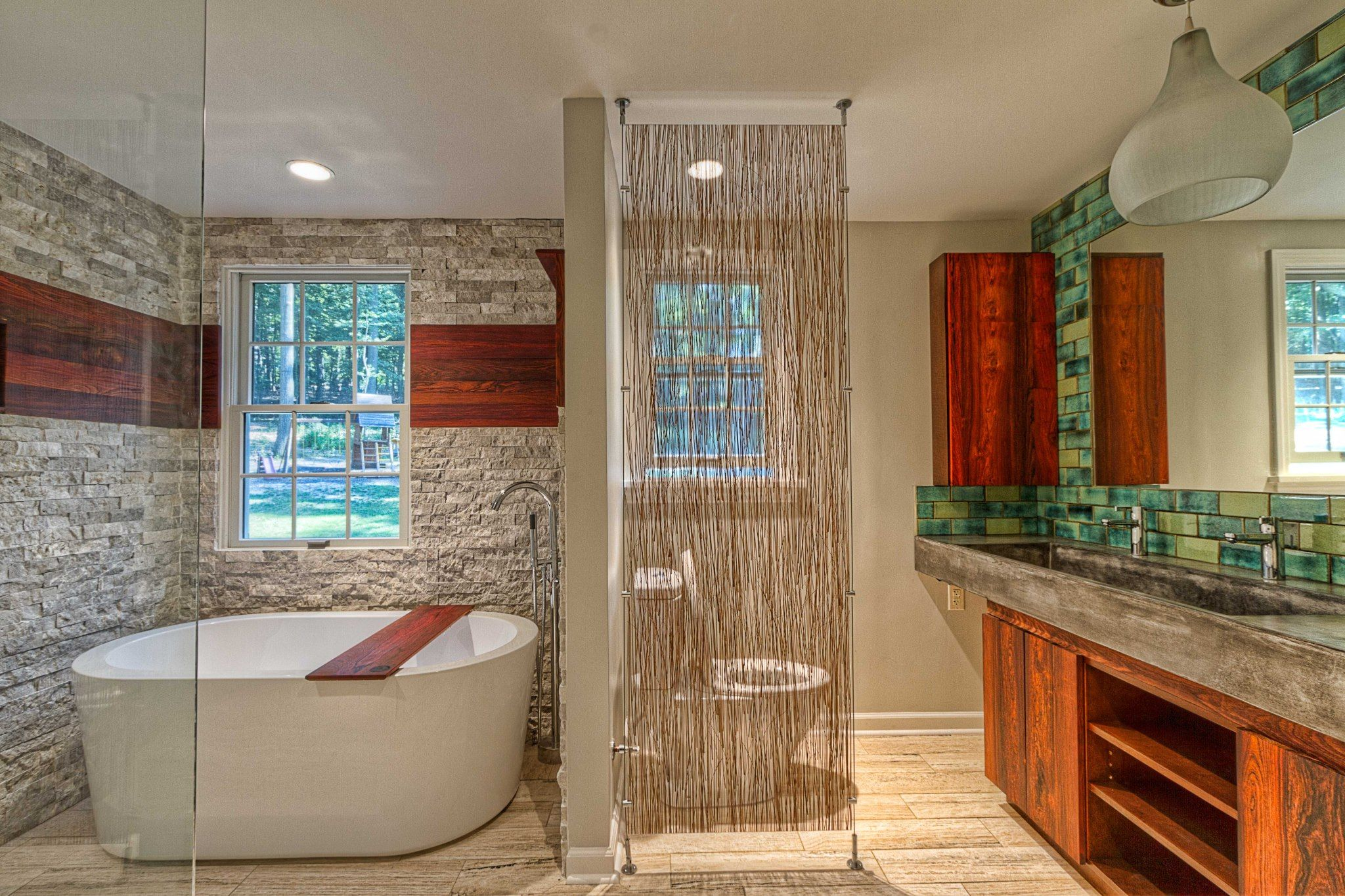 Pittsburgh Remodeling Company Completed This Beautiful Bathroom Remodel And Cleverly Used Lumicor S Cable Partition System To Give The Toi Modern Bathroom Design