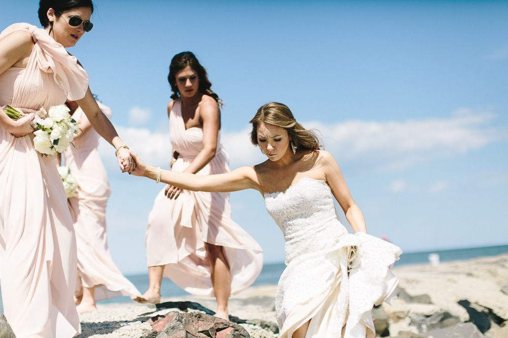 Avalon Wedding Florist - A Garden Party Florist - Windrift - The More We See Photography - blush wedding - white wedding flowers - champagne linen - beach wedding - peonies - peach garden roses - dusty miller
