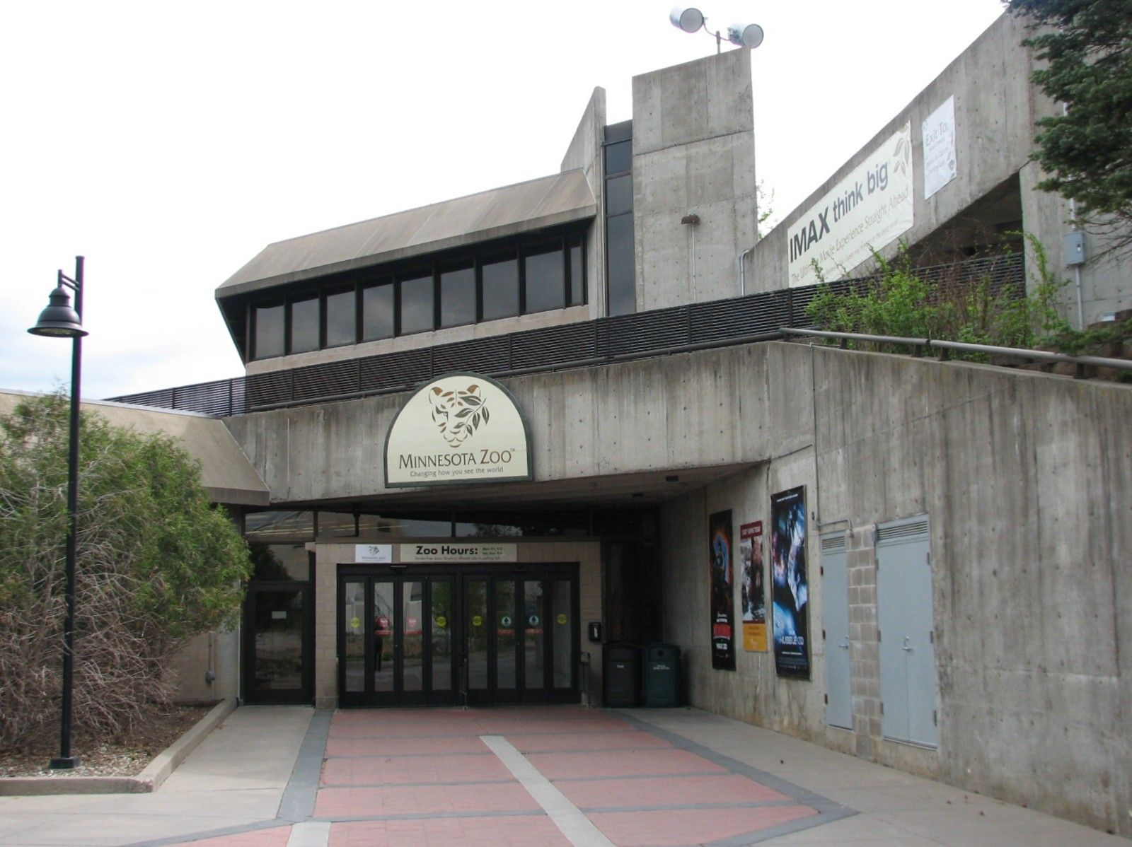 Foyer Entry Zoo : Picture of zoo entrance entry building