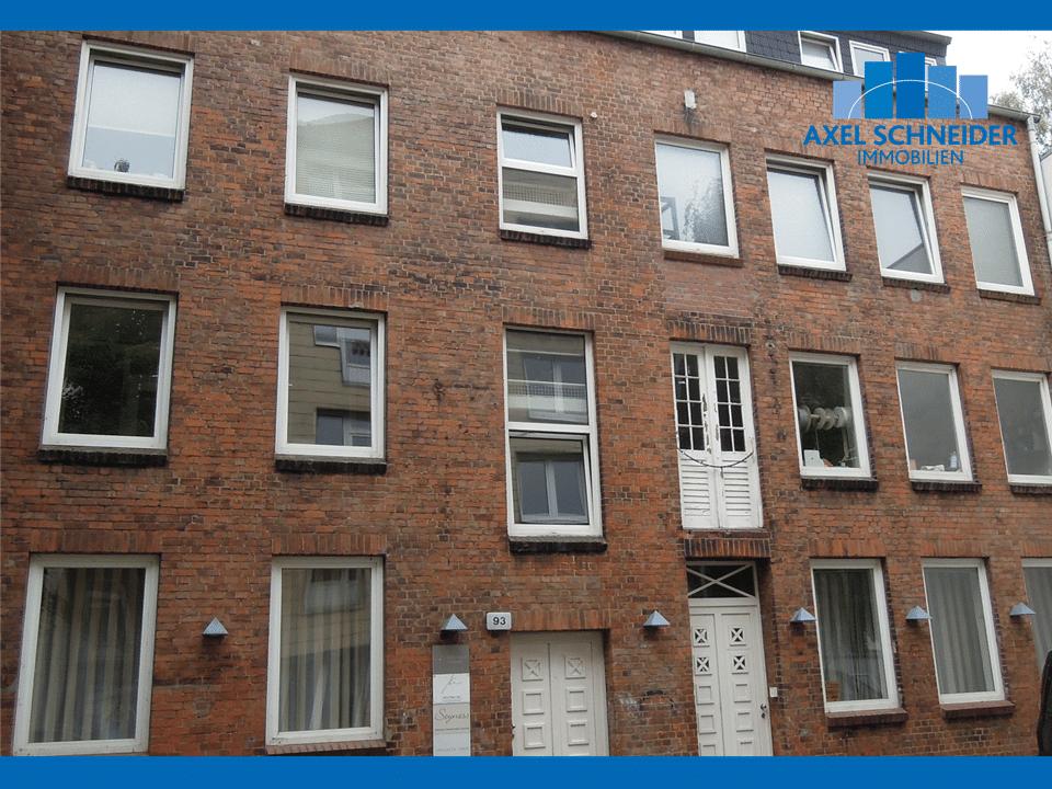 1 Zimmer Wohnung In Der Dorotheenstrasse Im Hinterhof Mit Loft Charakter In Winterhude Zu Mieten In 2020 Immobilienmakler 1 Zimmer Wohnung Hausverwaltung