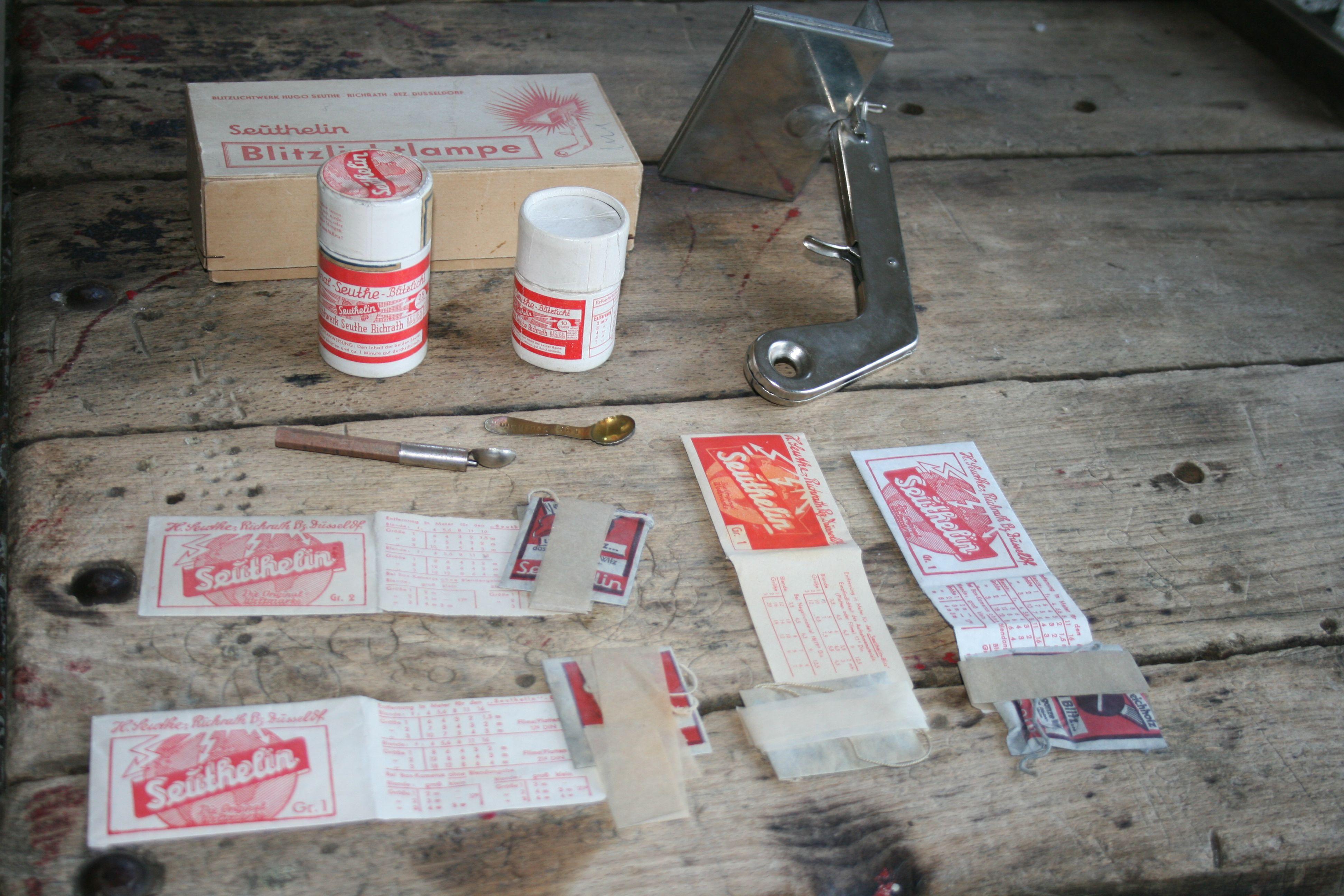 #Seuthelin #Blitz equipment with #Blitzpistole, blitz #pulver in box, #Blitzlichtbeutels,...