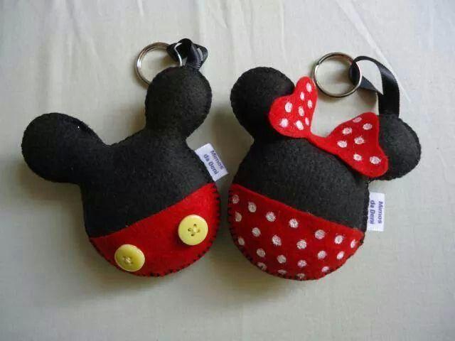 Llaveros mickey y minnie manualidades pinterest - Manualidades minnie mouse ...