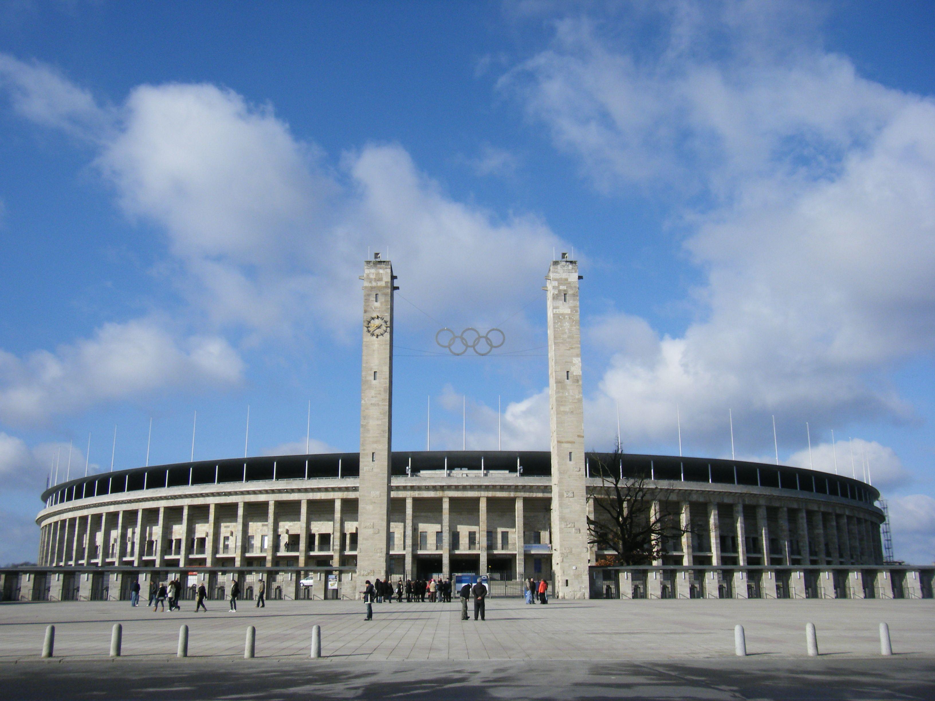 Olympiastadion berlin werner march albert speer 1936 for Architektur 3 reich