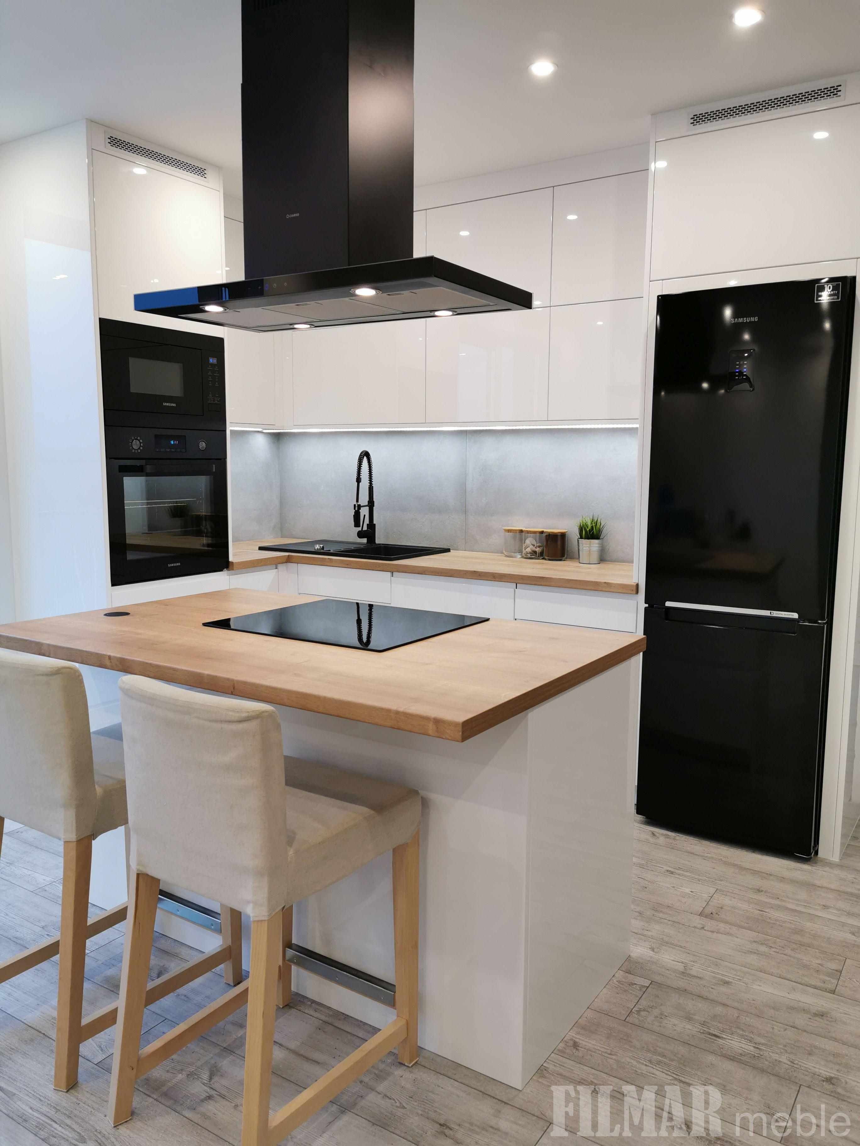 Biale Meble Kuchenne Z Czarnym Agd Tiny House Design Kitchen Home