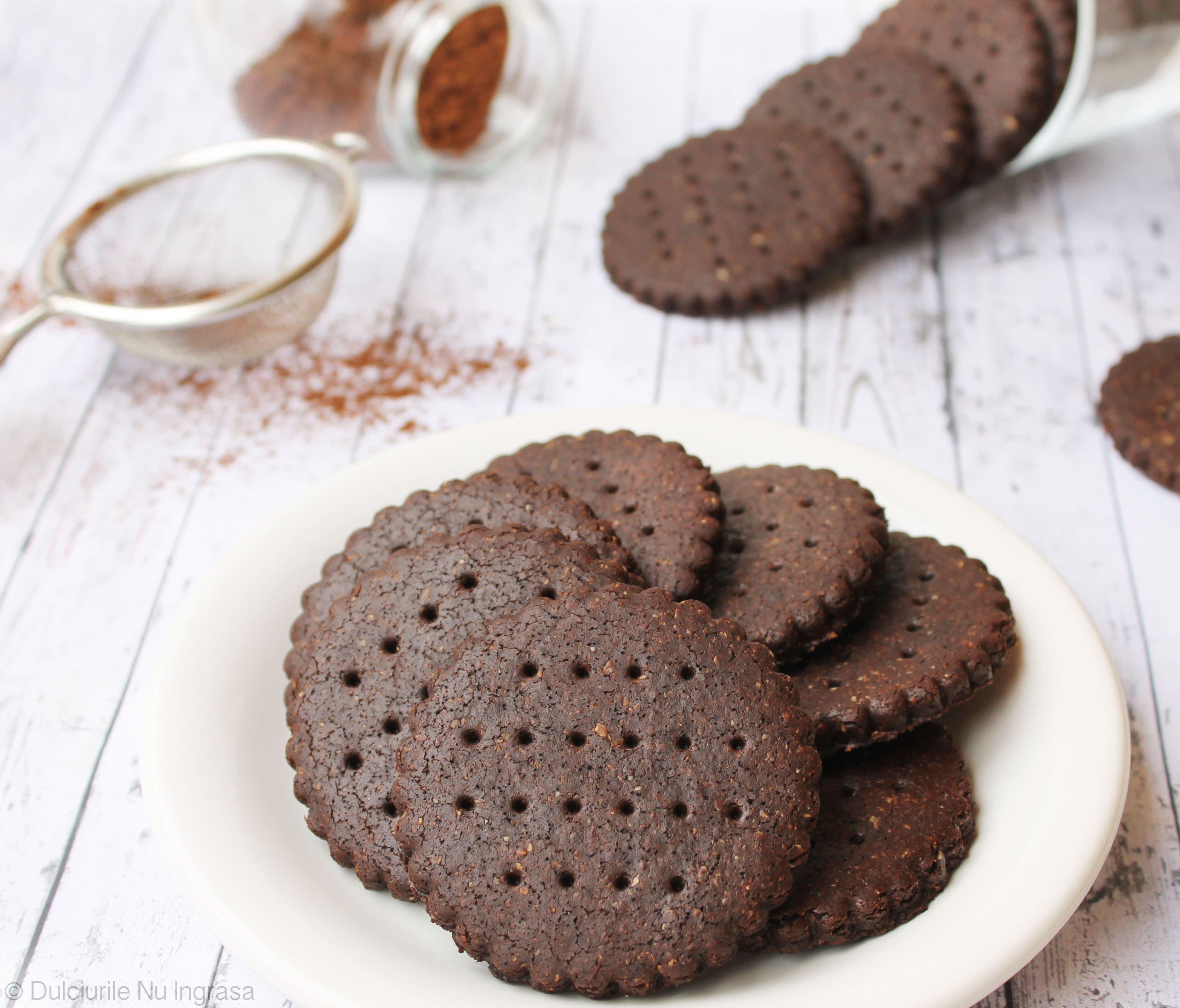 Biscuiți Vegani cu Cacao și Făină de Quinoa (fără zahăr, fără făină albă, fără unt)