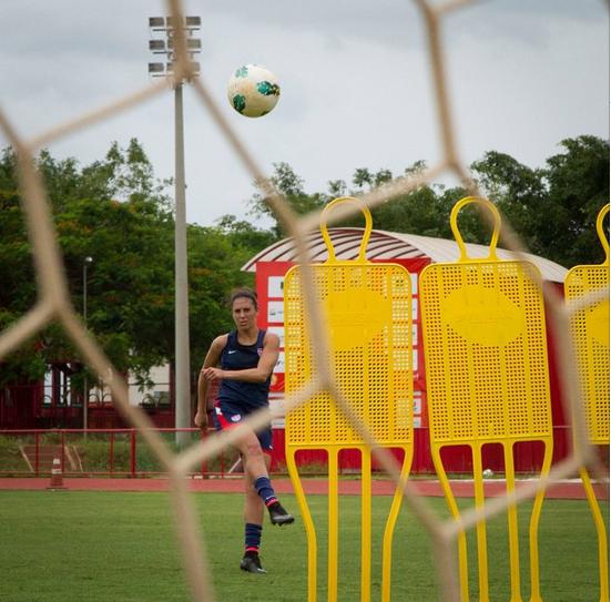 Carli Lloyd training in Brasilia. (Instagram)