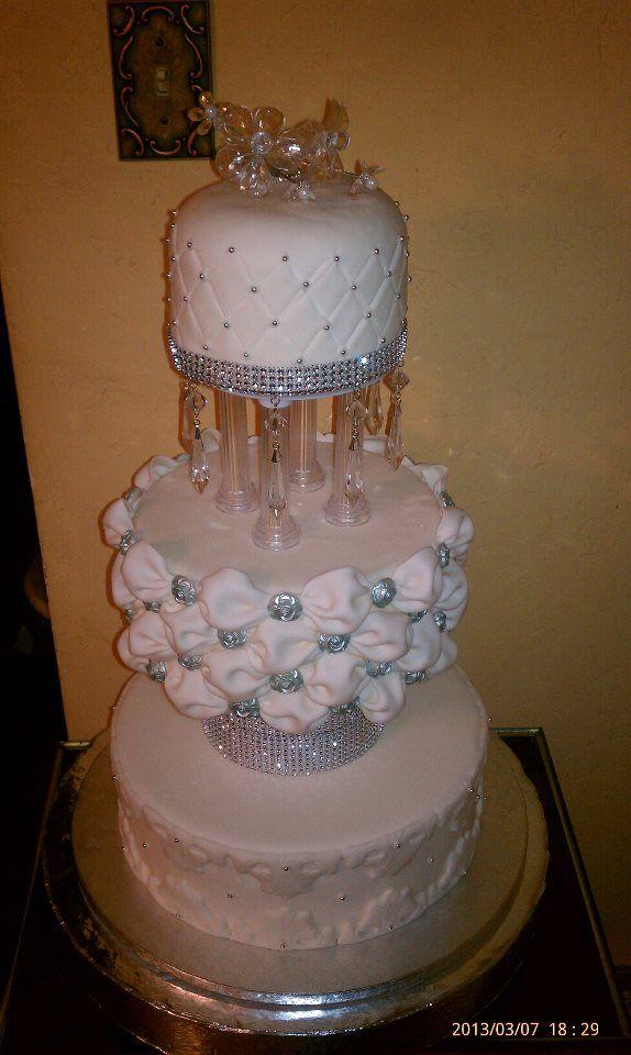 Round Wedding Cakes - *