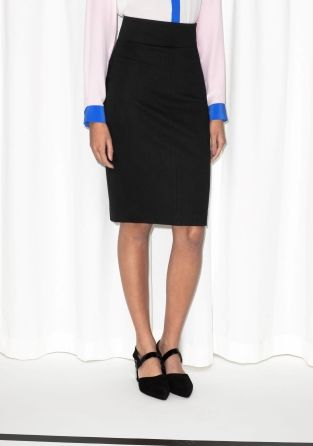 This soft and stretchy pencil skirt has a silhouette-defining and leg-elongating fit with an extra high-waist and an alluring slit at back.