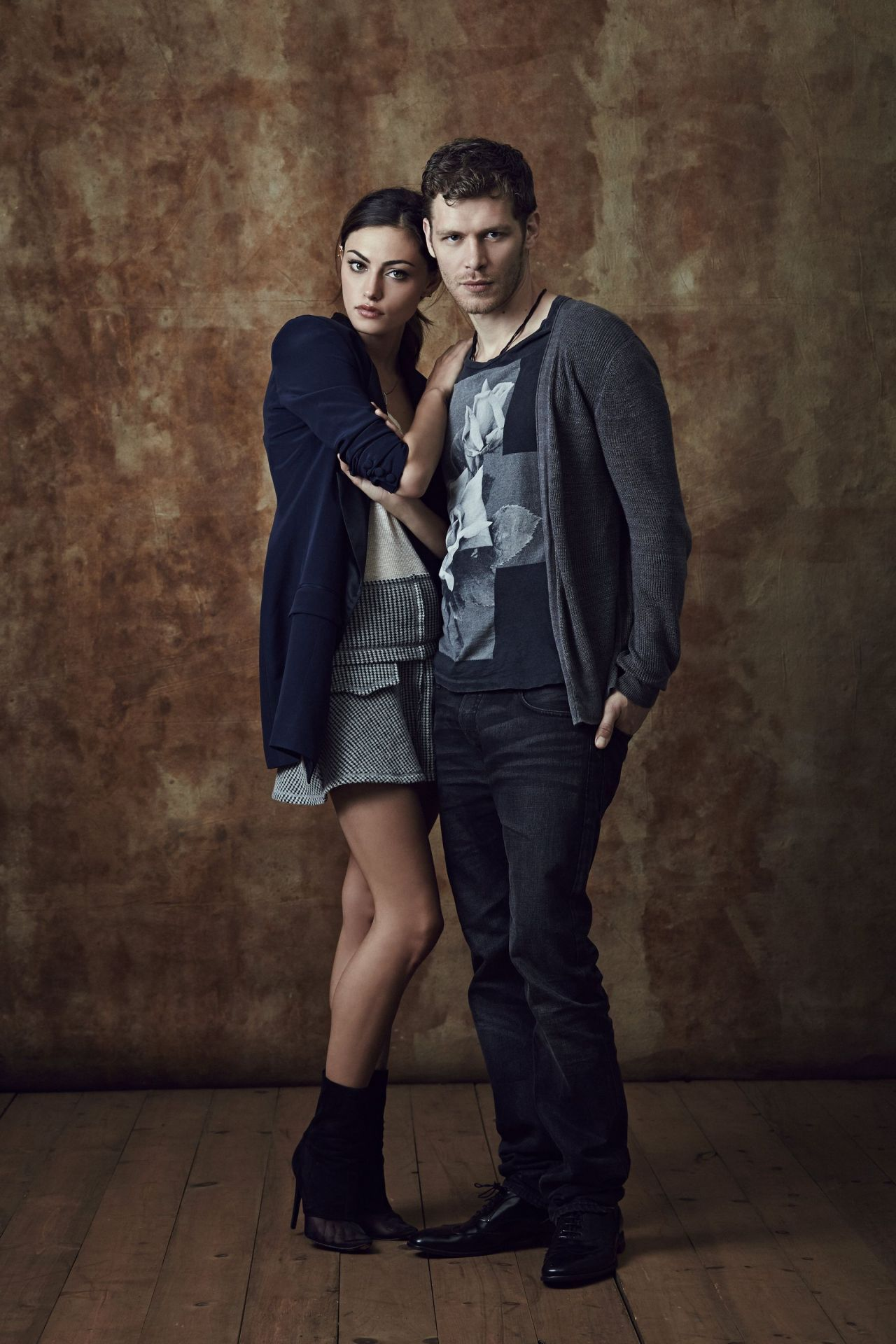 Joseph Morgan & Phoebe Tonkin