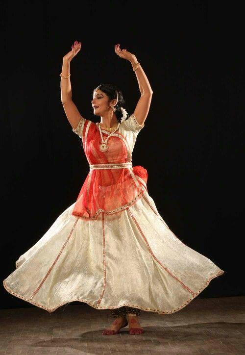 f4d6405d7a Kathak costume - hindu style | Olya - Dolls! | Kathak dance, Indian ...