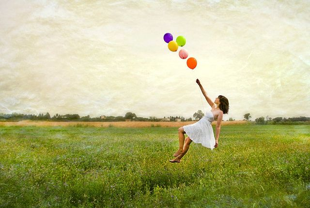 Dejarse Llevar Suena Demasiado Bien Levitation Photography Love Photos Balloons