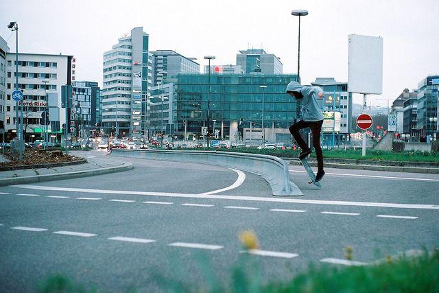 Traffic Skate am Hbf by Popikone, via Flickr