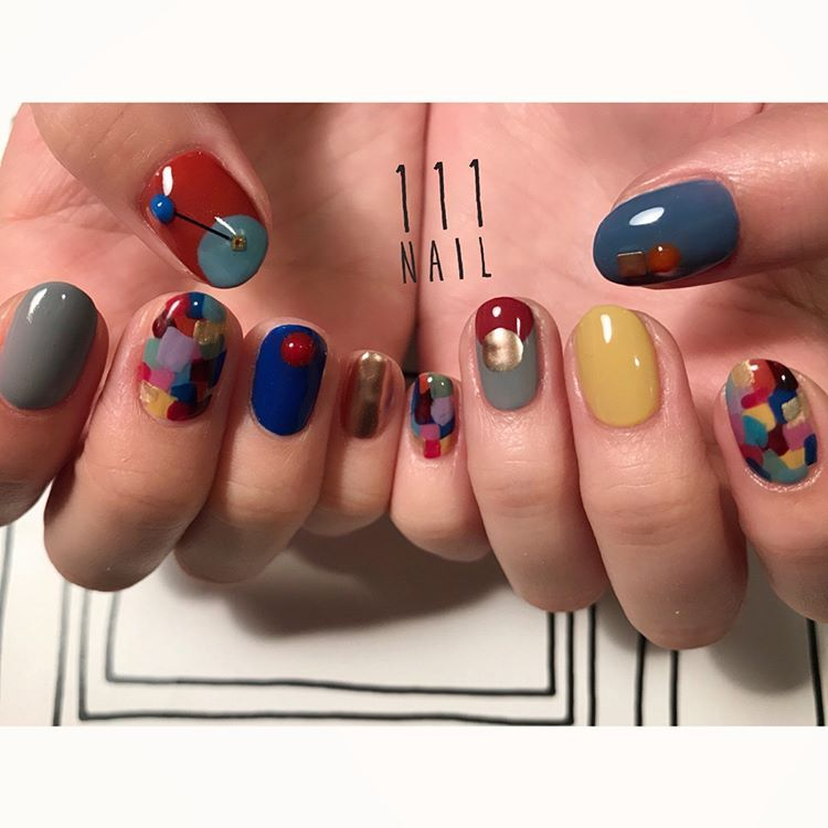 "111NAIL on Instagram: ""⚪️🔹🔻⬜️◻️🔵🔸🔲🔴🎨 #nail#art#nailart#ネイル#ネイルアート#colorful#metallic#retro#おまかせネイル #ショートネイル#ネイルサロン#nailsalon#表参道#colorful111#presto#prestogel"""