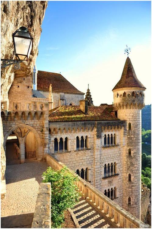 Medieval Castle, Rocamadour, France  photo via magic