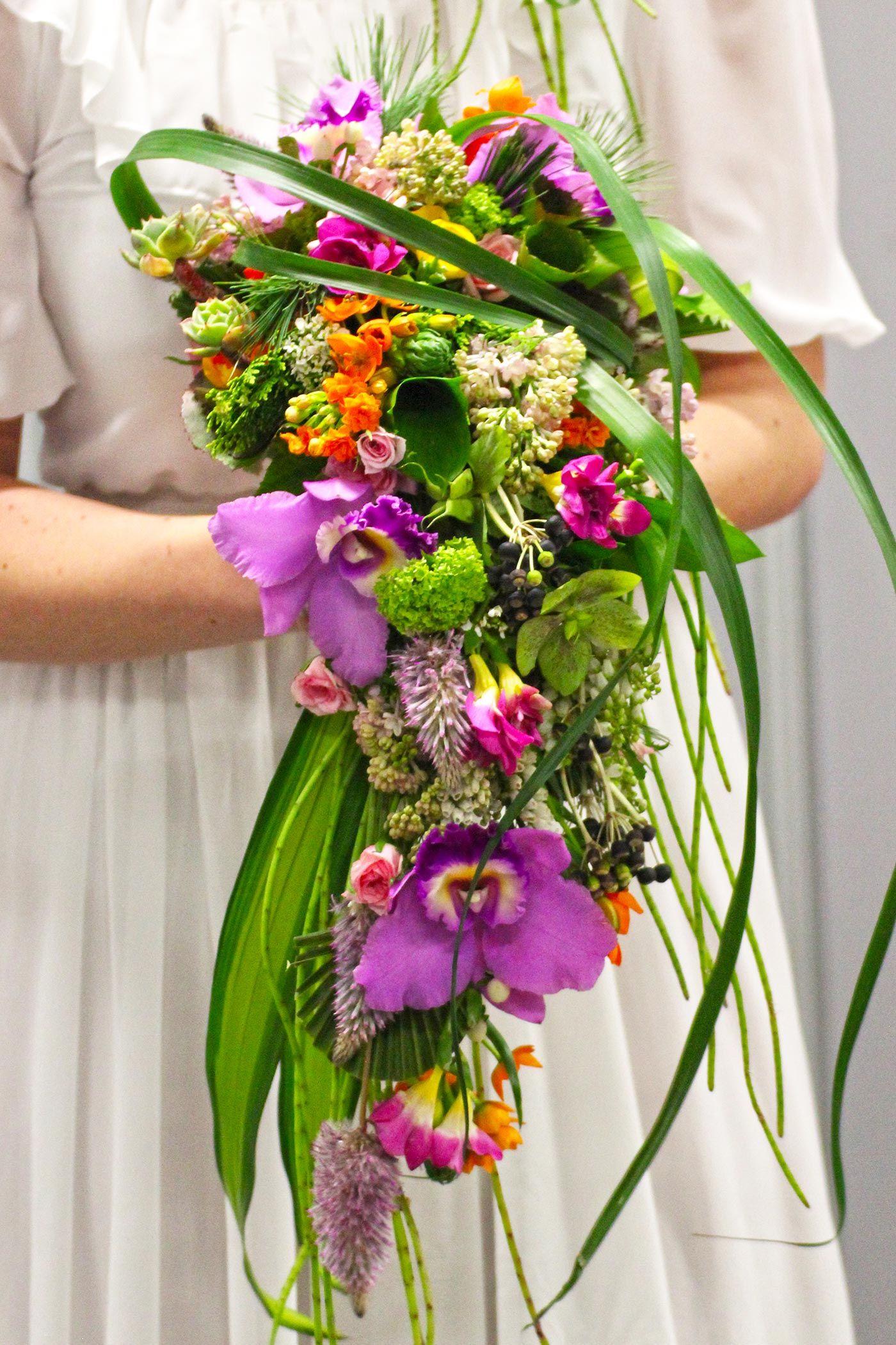 Hochzeitsstrauss Wasserfall Amara S Bridal Bouquet Pinterest