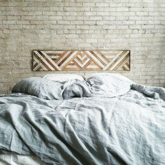 Diese Wandkunst Oder Königin Kopfteil Ist Handgefertigt Aus Altholz. Das  Holz Wurde Ursprünglich Gips Latte