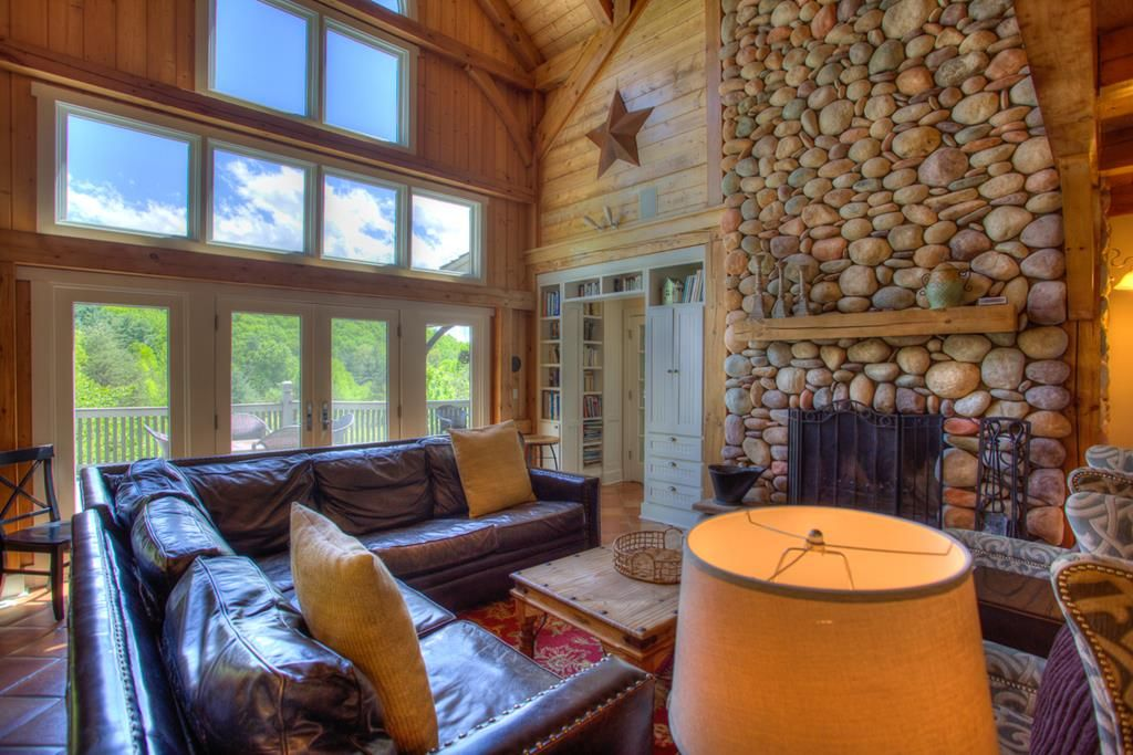 Pine Hollow Mountains Asheville Vacation Rental