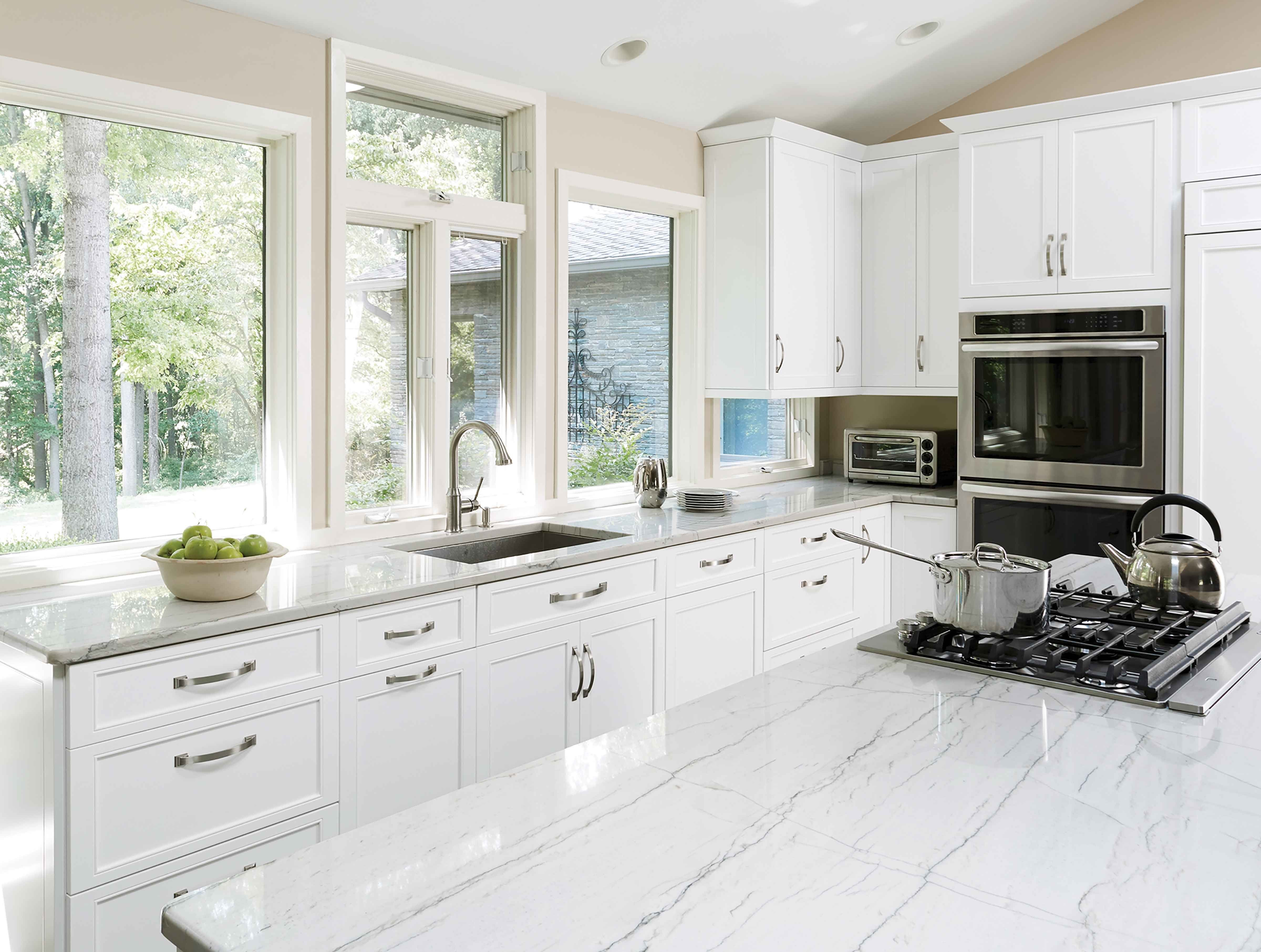 Gallery Transitional kitchen, White kitchen