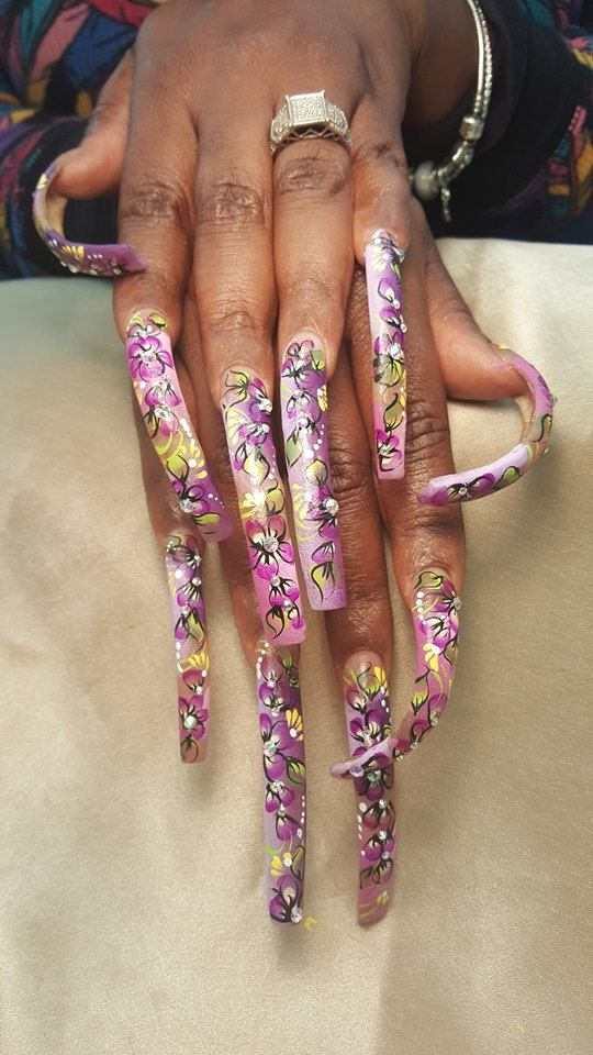 Pin by Stephanie Jones on Extremely long nails | Pinterest | Curved ...