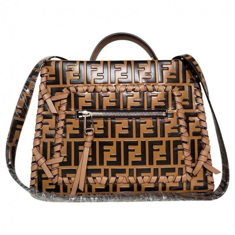 9a58842f5a88 Besace Runaway en cuir | Bags | Leather handbags, Bags, Fendi bags