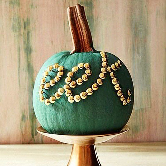 21 Pumpkin-Decorating Ideas That Are Actually Doable! Pumpkin - office halloween decorating ideas
