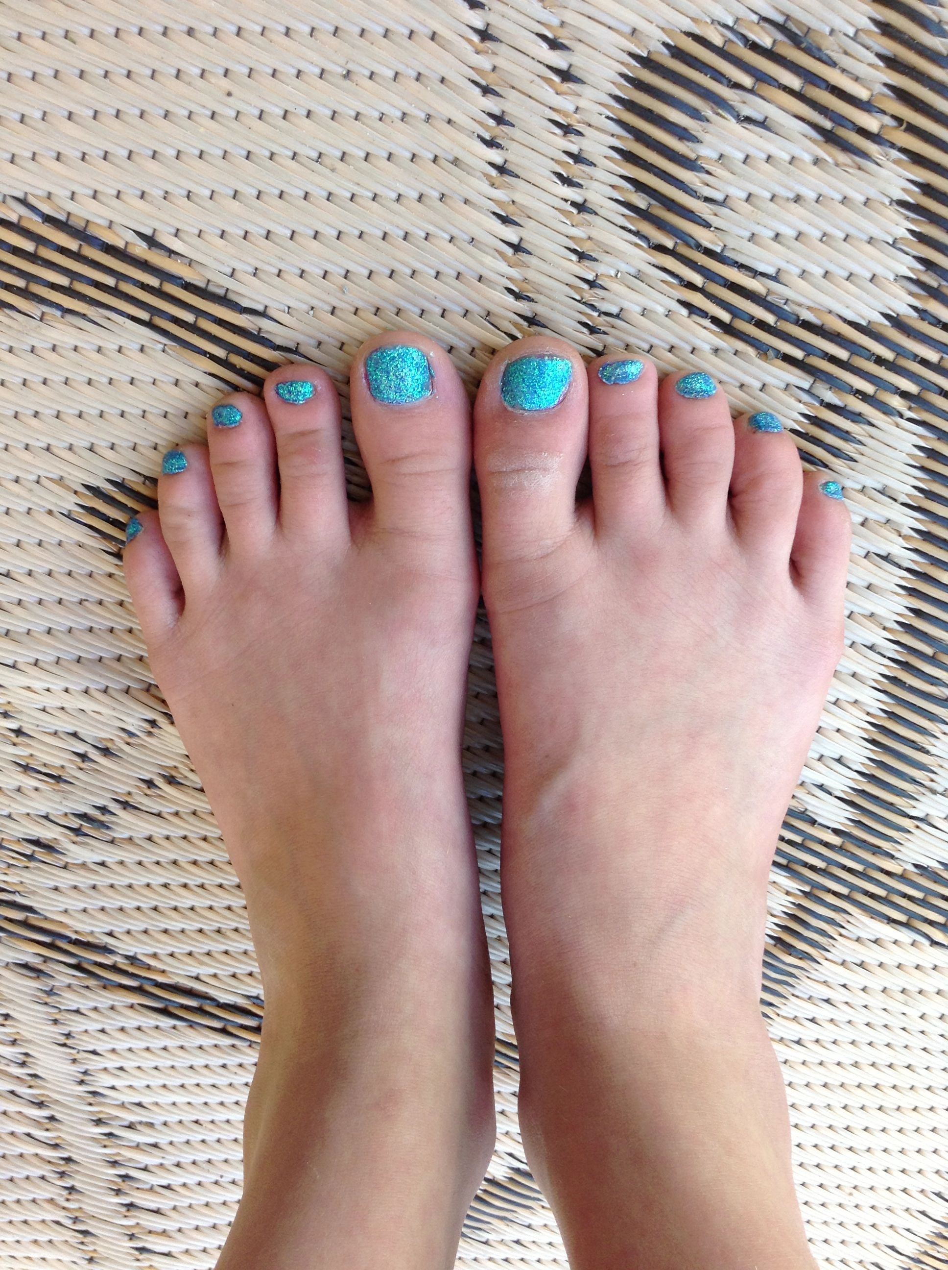 Diy glitter toes you will need any color of glitter