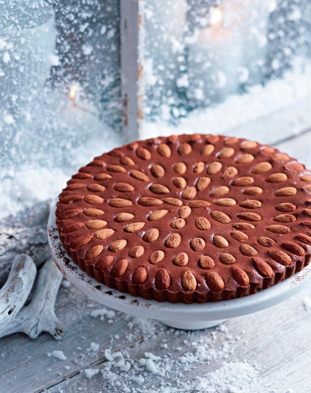 """Heerlijke bij de koffie of als dessert met mascarpone en rood fruit, niet alleen voor de kerstdagen! Een Italiaans gekruide taart uit """"delicious. Lekker koken!"""" Kijk hier voor een van de andere recepten: http://www.fontaineuitgevers.nl/wp/wp-content/uploads/9789059564503-delicious-Lekker-koken-klein.pdf"""