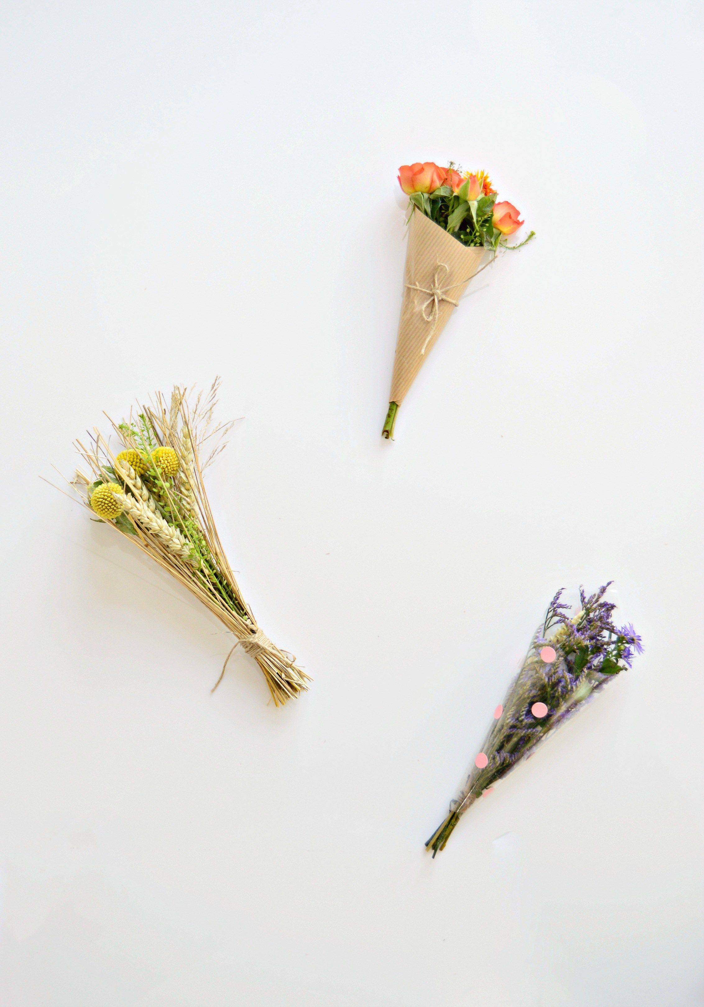 How to wrap a mini bouquet of flowers flowers pinterest wraps how to wrap a mini bouquet of flowers izmirmasajfo