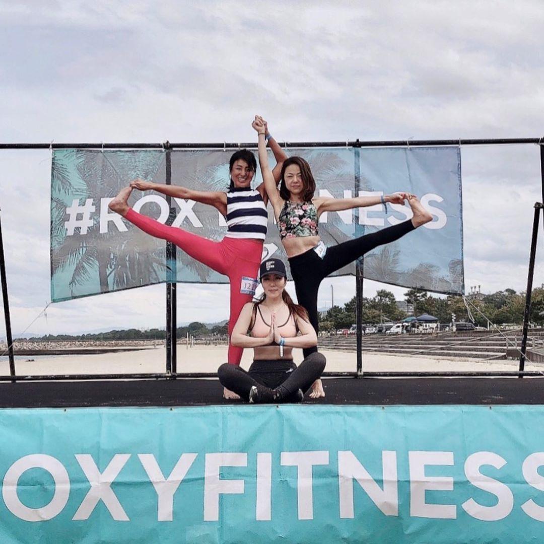 Roxy run sup yoga 2019  外で身体動かすのは やっぱり楽しい😆  曇りだと侮っていたら 跡くっきり、 背中が...