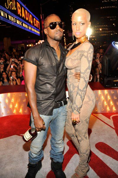 The Craziest Outfits In Vmas History Crazy Outfits Outfits Amber Rose Style
