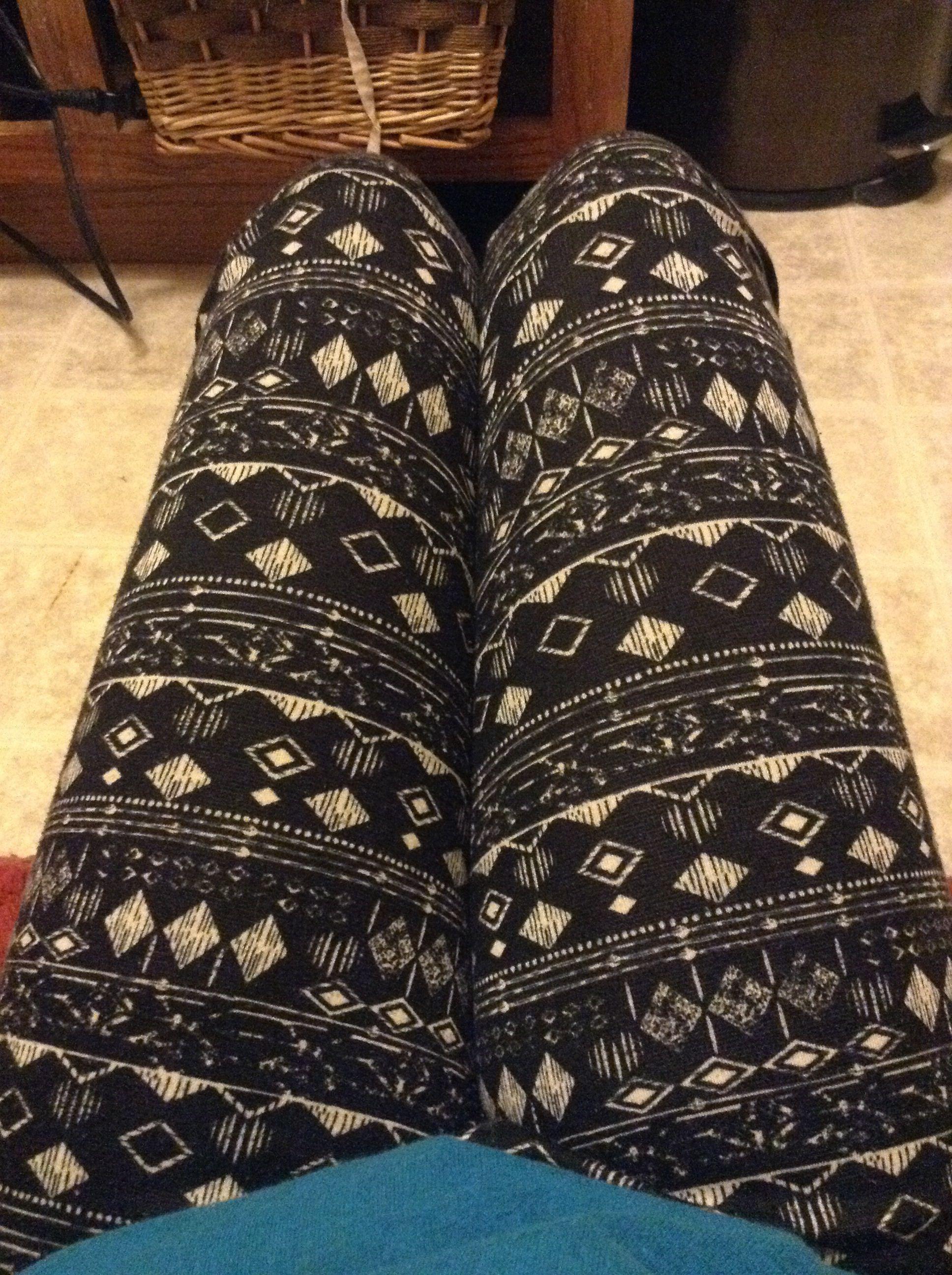 Patterned leggings <3~~~