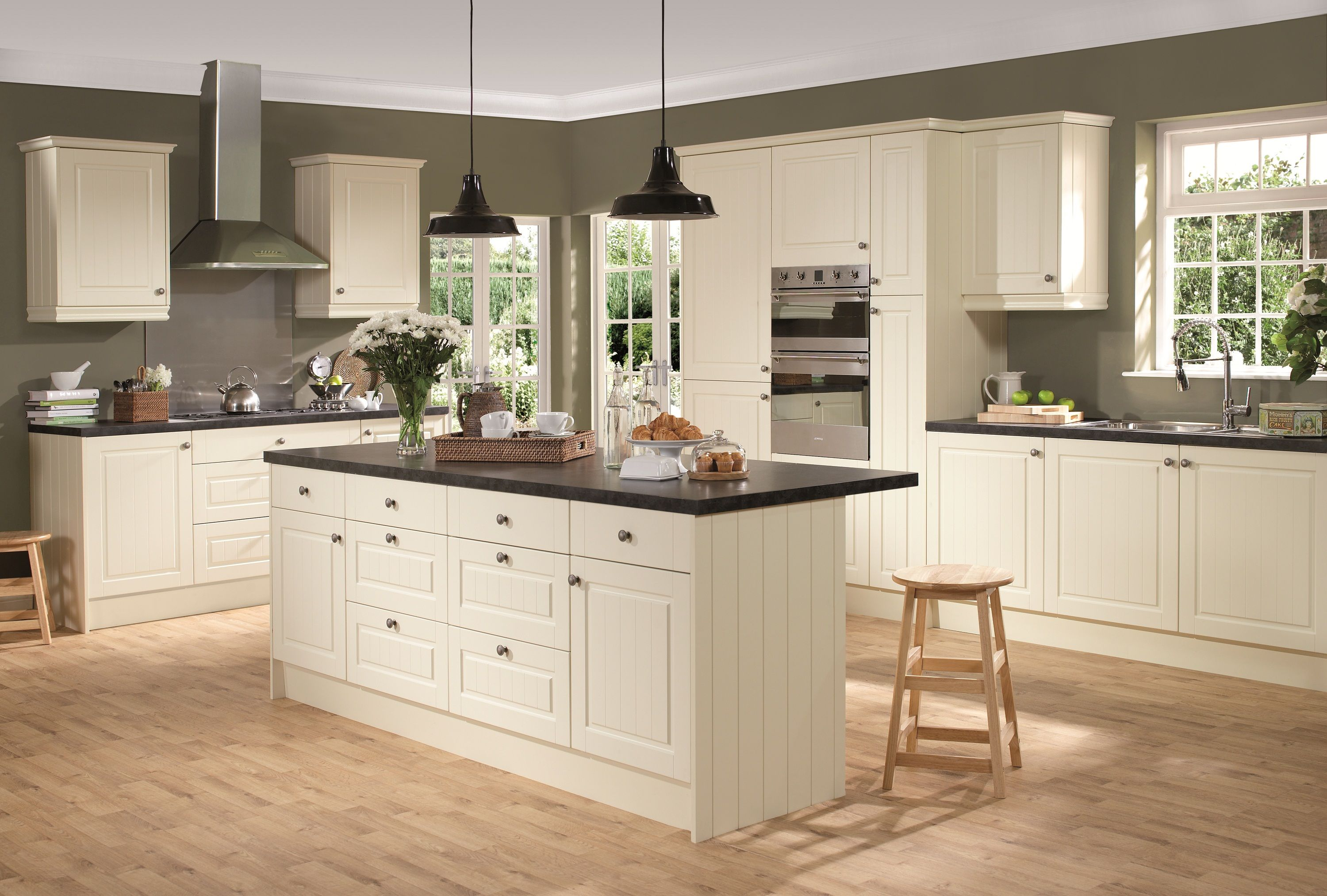 Faversham - A country classic kitchen with a tongue and grooved ...