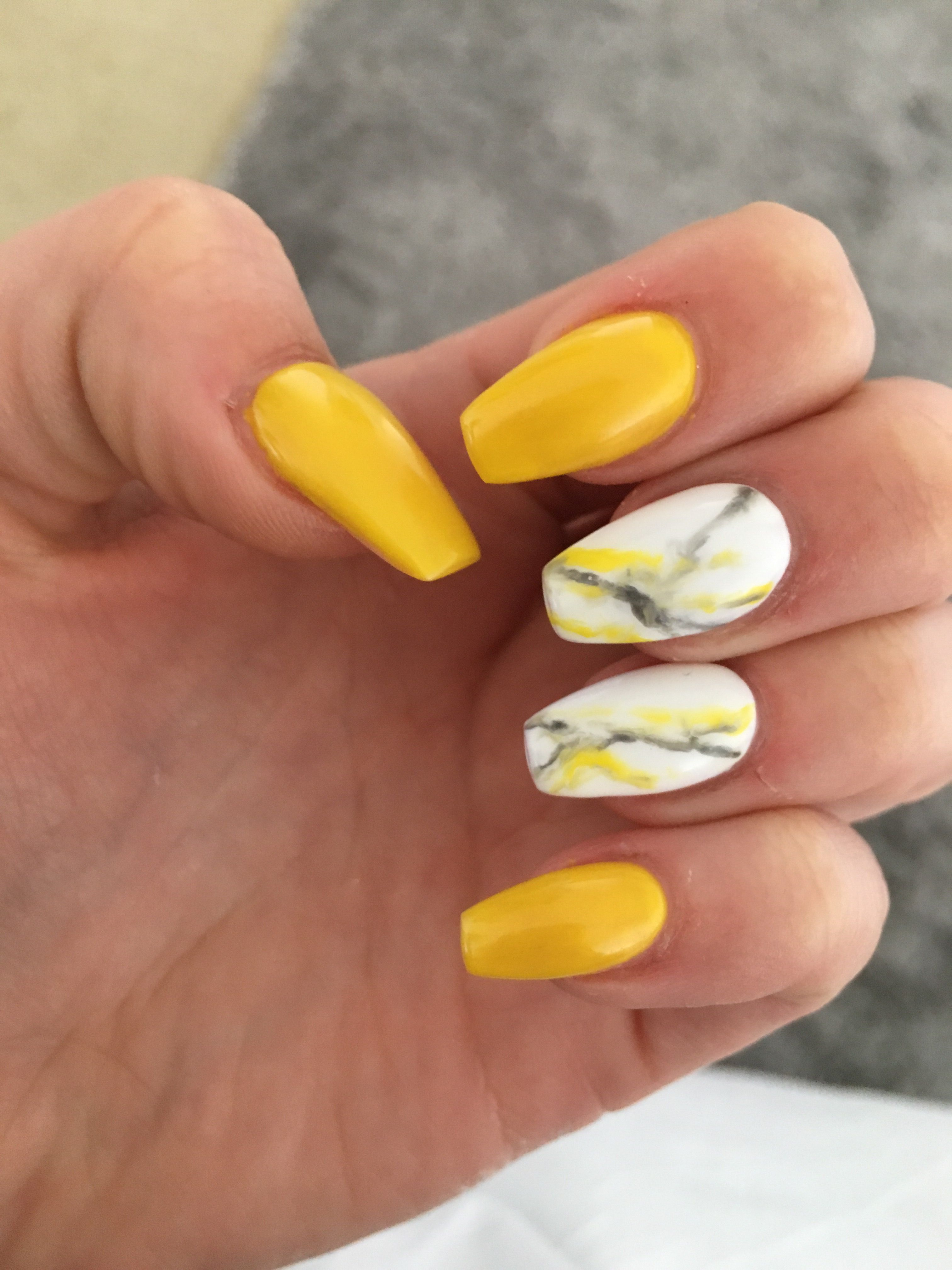 yellow yellownails nails nailart naildesigns marble