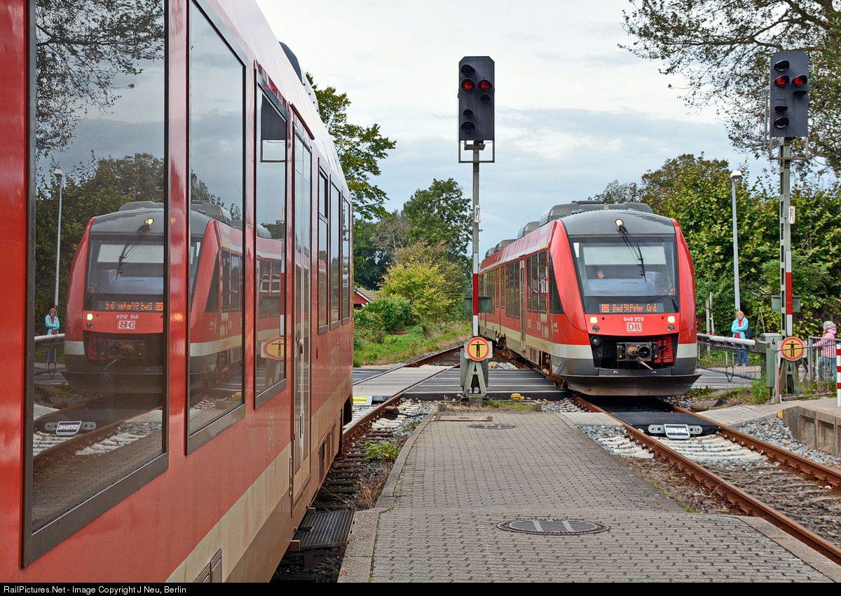 648 559 Deutsche Bahn AG DMU at Tönning, Germany by J Neu