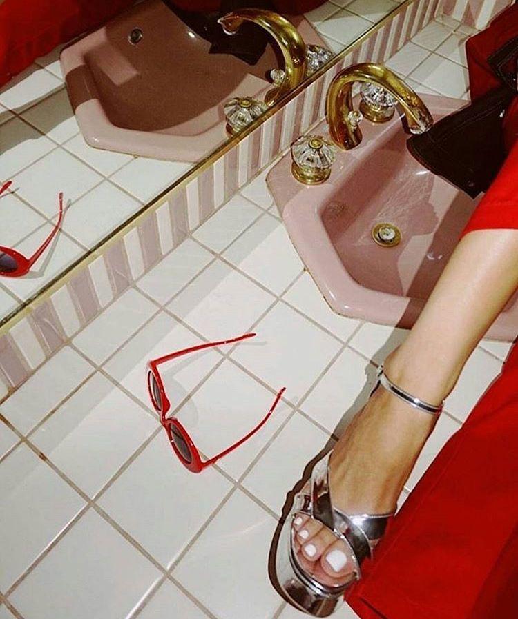 Pinterest: emilylovely | Red aesthetic, Retro aesthetic ...